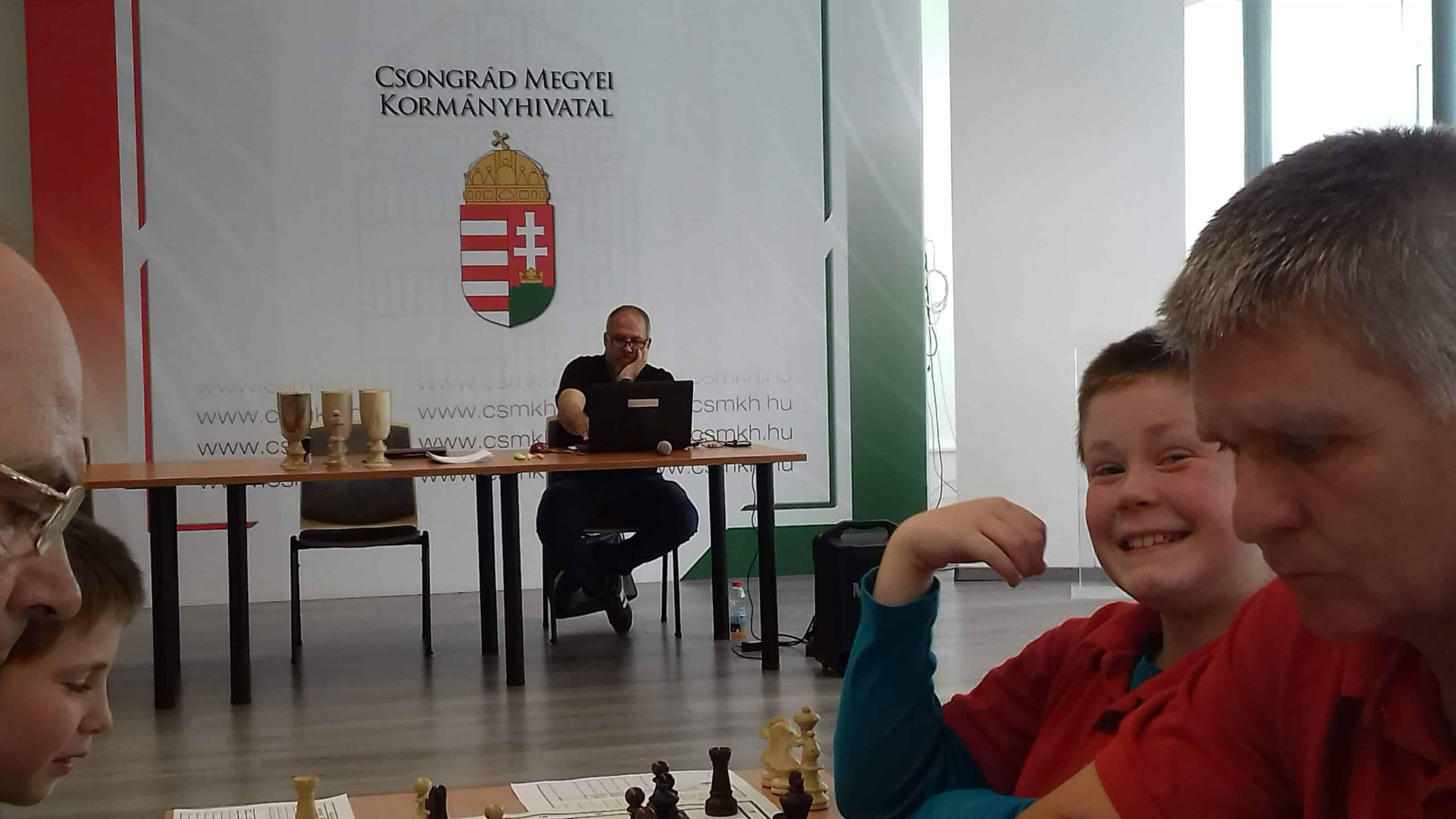 Fakupa sakk amatőr verseny